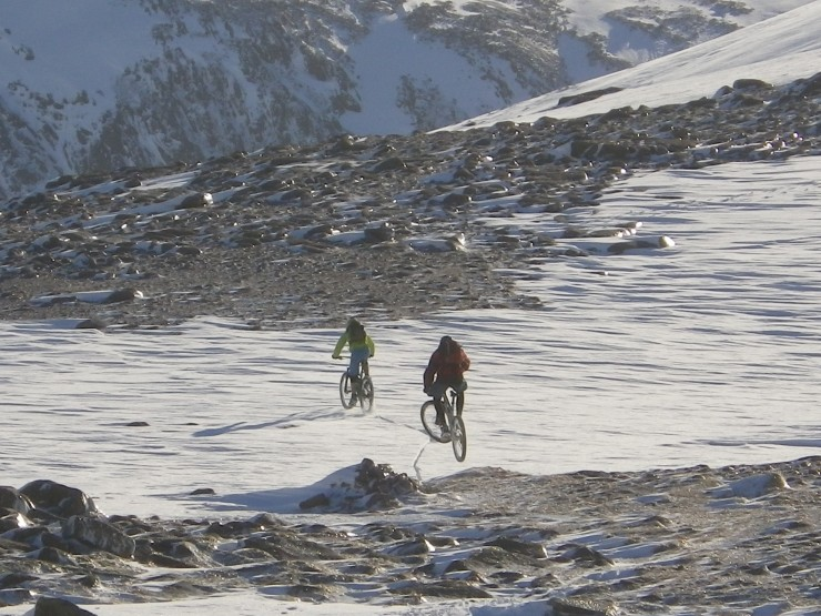 The plateau - variable conditions, ice, rocks and firm snowfields.