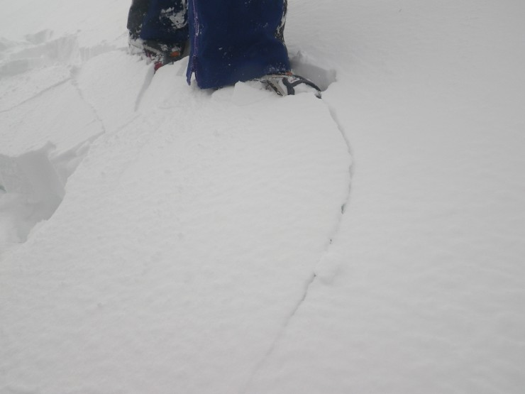 Cracking underfoot within new windslab accumulations