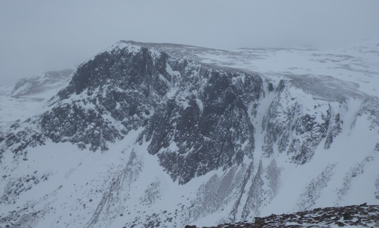 Carn Echachan and the Shelter stone crag
