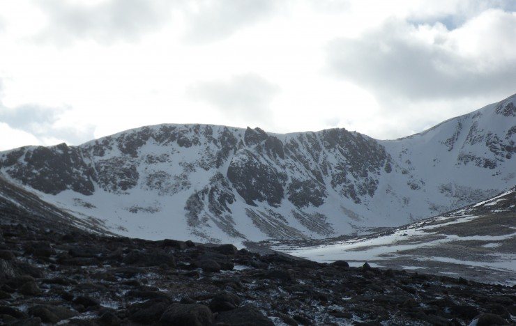 Some bright spells with strong winds, the old snowpack is firming up after last nights thaw