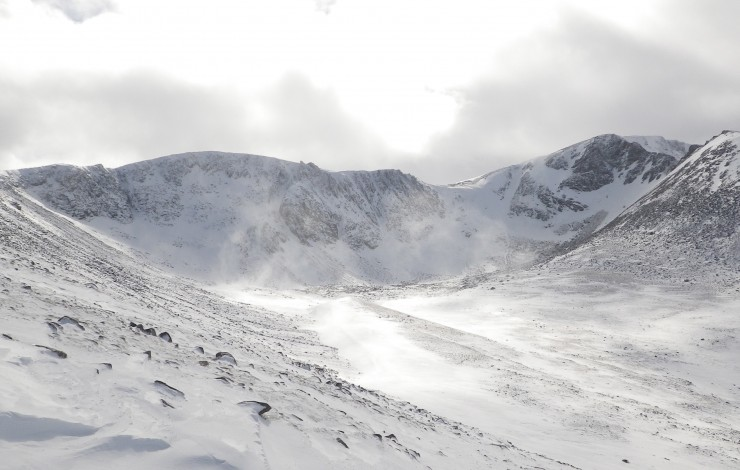 Coire an t-Sneachda - widespread accumulations of windslab on approach slopes