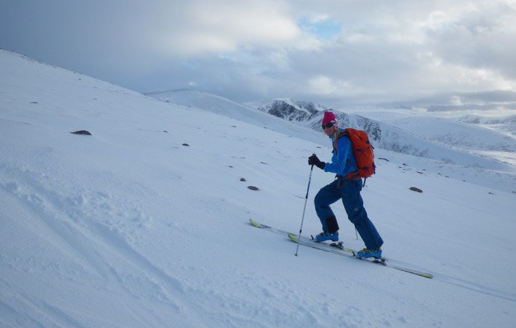 Good snow cover for the time of year! On the N side of Cairngorm at 1100m.