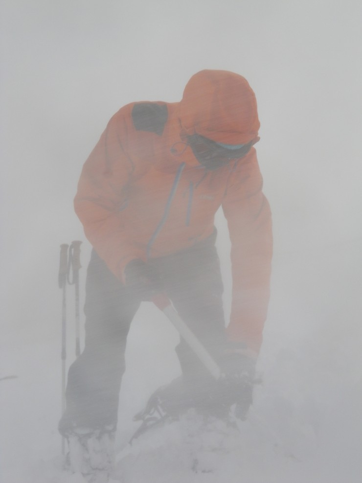 Poor visibility in the drifting snow above 1000 metres