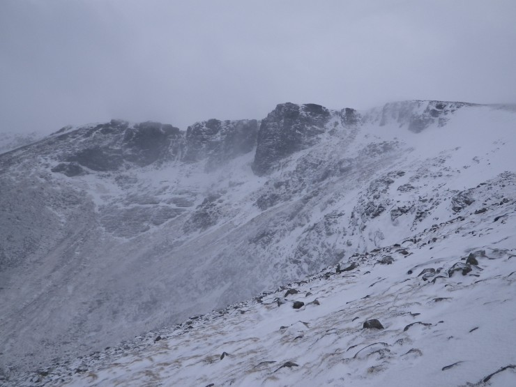 Windslab swirling around the buttresses in Coire an Lochain.