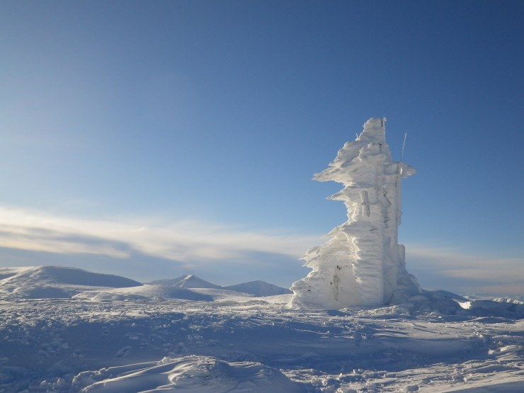 Cairngorm weather station entombed in rime ice