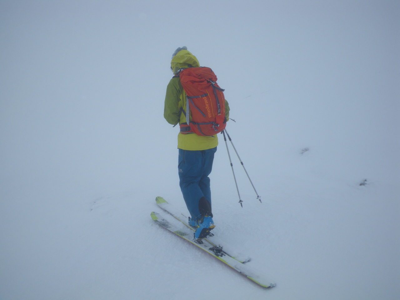 Navigating round the E side of Cairngorm