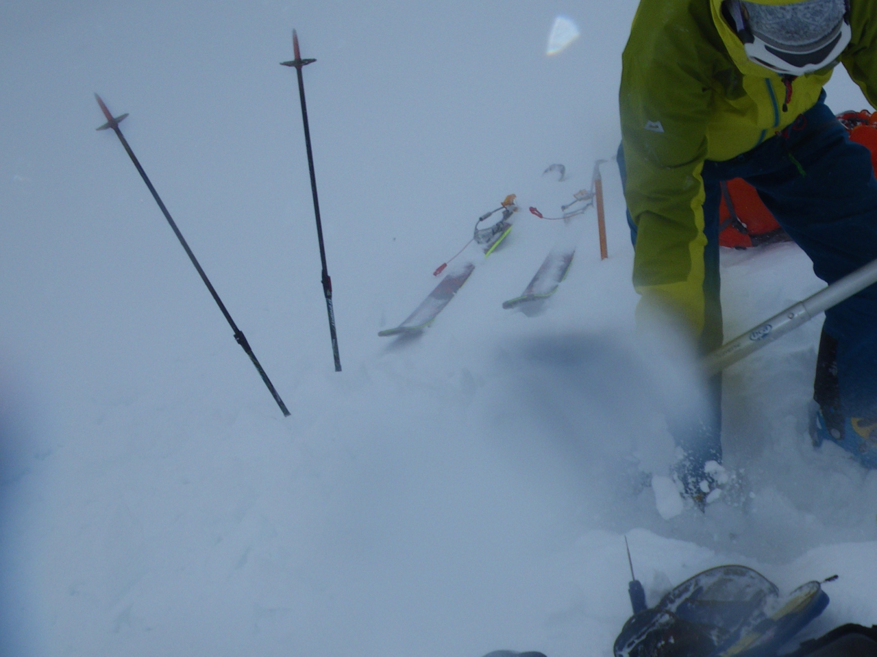 Heavy drifting on the E side of Cairngorm above 1000m